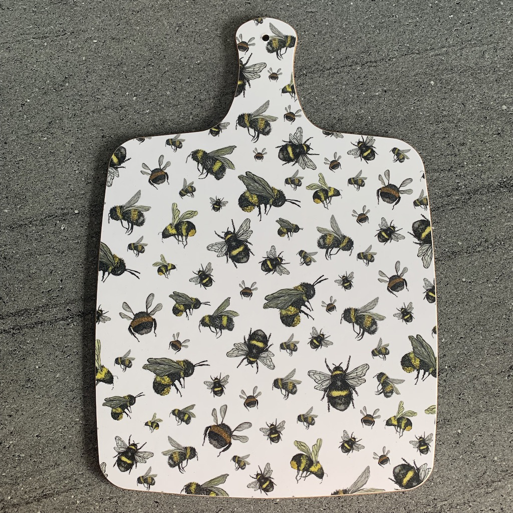 Bee Chopping board FRONT